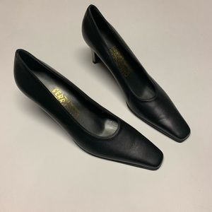 Black Salvatore Ferragamo kitten Heel